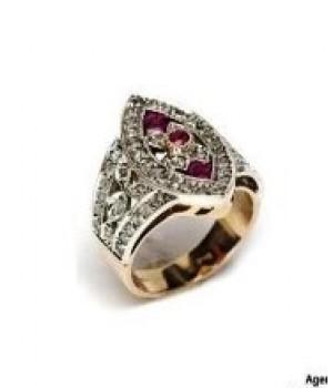 Золотое кольцо в винтажном стиле с рубинами и коньячными бриллиантами