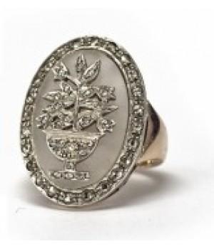 Золотое кольцо Agemina c горным  хрусталем и цветочным орнаментом