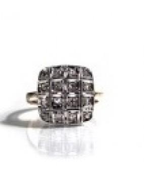 Золотое кольцо Agemina  мягкий квадрат c коньячными бриллиантами