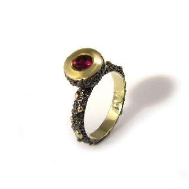 Серебряное кольцо Igor Kalita c родолитом  в форме шляпки